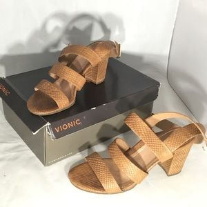 VIONIC BLAIR STYLE BROWN SNAKES SANDALS.